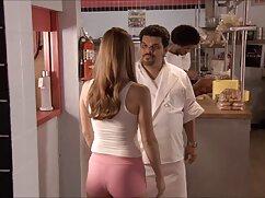 خوب و نگاه سکس شیمیل با زن خوب با موهای جعلی, آماده به افشای بیدمشک او در هر صورت