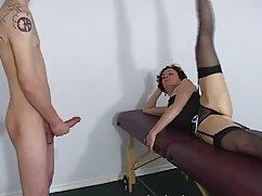 مرد دادن دهان به دختر در جوراب ساق بلند داستان سکسی دوجنسه